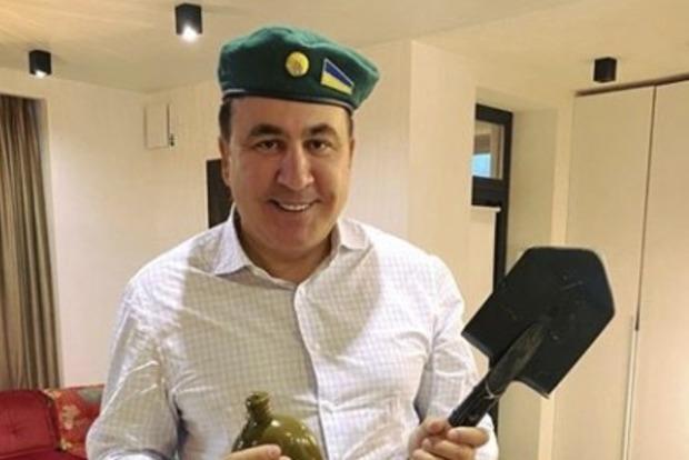 Саакашвили вспомнил о своей причастности к ФСБ России
