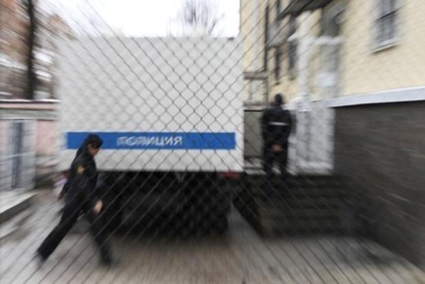 В России подростки избили прохожего и изнасиловали его жену