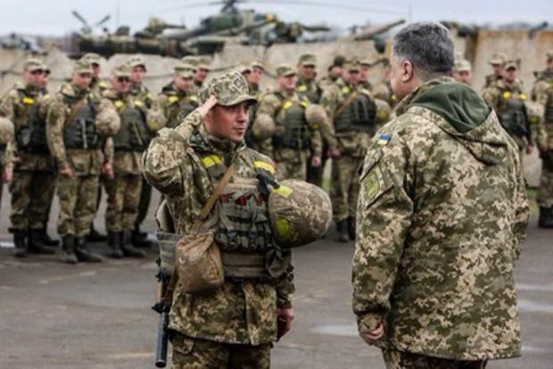 Порошенко наказав військовим відповідати на атаки з усіх гармат