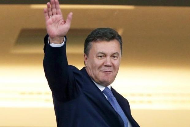 Януковичу еще на год разрешили остаться в России
