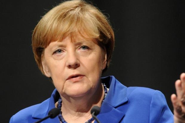 Меркель: Выборы на Донбассе сейчас невозможно провести по объективным причинам