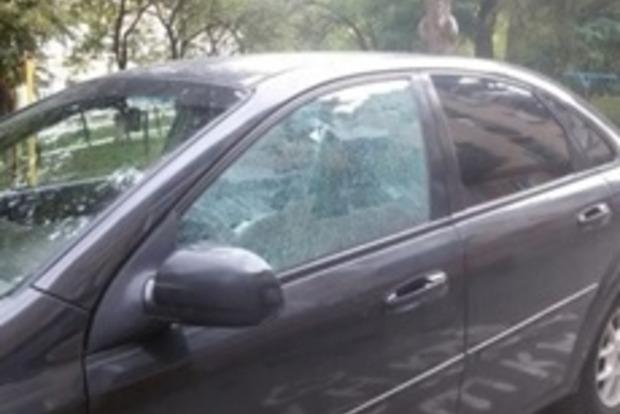 В Тернополе неизвестный стрелял по автомобилям