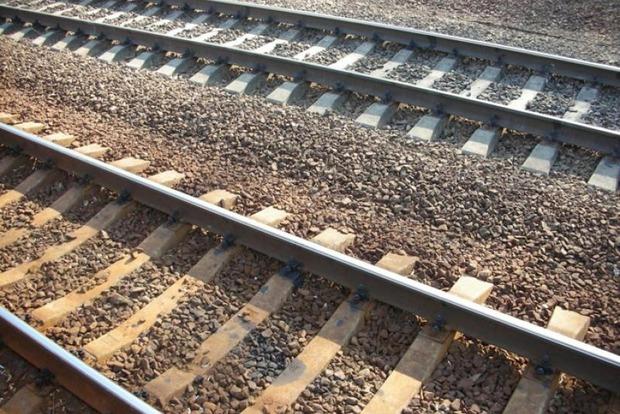 На Полтавщине пассажирский поезд насмерть сбил мужчину