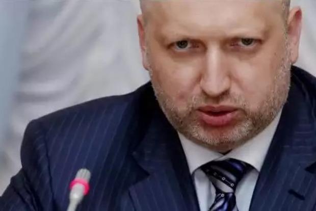 Турчинов: Вдоль границы с Украиной находятся 53 тысячи российских военных