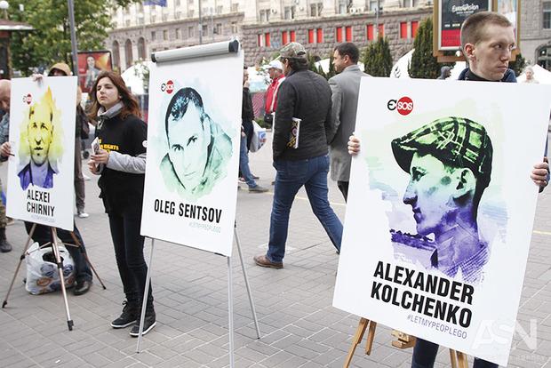 Политзаключенного украинца Олега Сенцова этапируют на Ямал