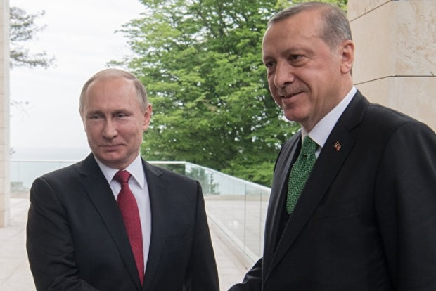 Путин пожурил делегацию Турции за «нежелание работать»