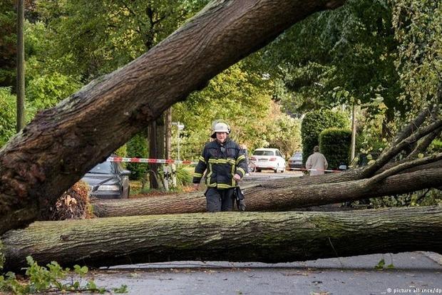 На Германию обрушился ураган, погибли 7 человек