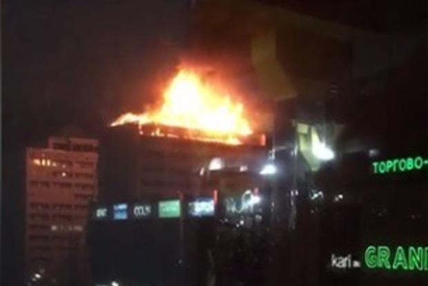 В Чечне как факел пылает крыша 12-этажного здания