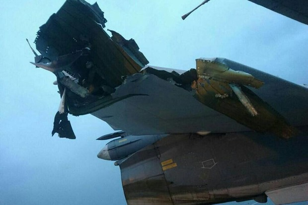 Вглобальной сети появились фотографии поврежденных набазе Хмеймим самолетов