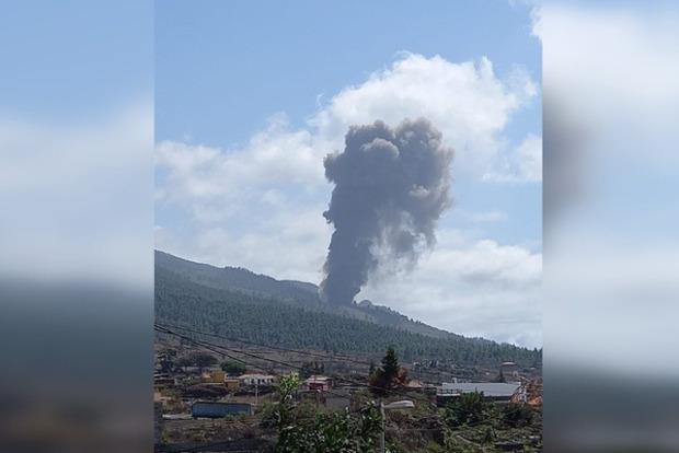 На испанском острове Пальма вдруг проснулся вулкан, который спал с 1971 года.