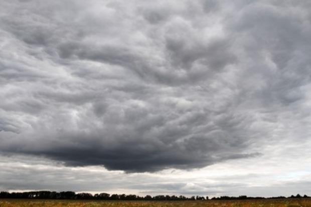 Выходные в Украине будут теплыми и дождливыми