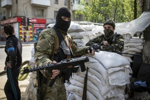 Боевики резко усилили охрану админзданий в Донецке