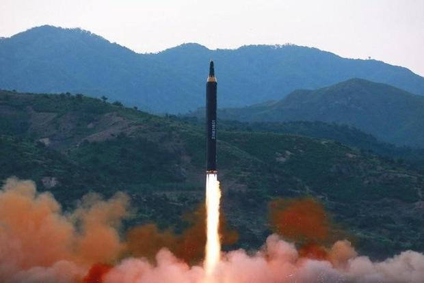 Северная Корея запустила три ракеты малой дальности