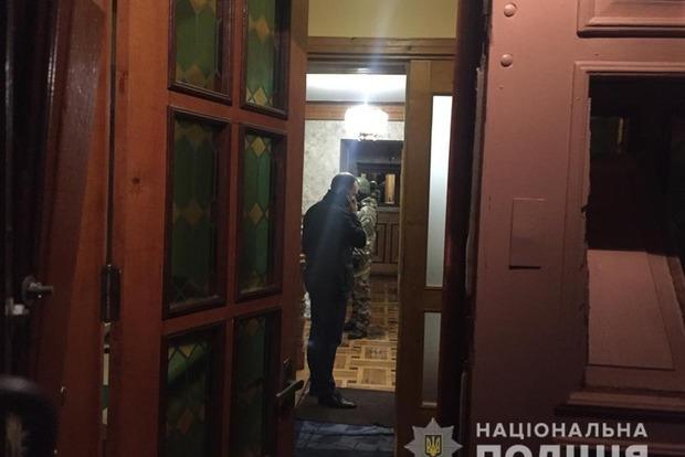 Хотел взорвать семью: спецназовцы взяли штурмом дом под Львовом