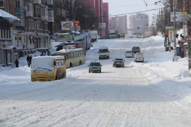 Министр инфраструктуры извинялся перед украинцами за неудобства из-за снегопадов