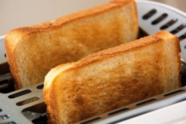 Пережаренные тосты и картофель могут спровоцировать рак - ученые