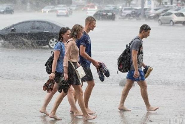 Синоптики предупредили о грозах, дождях и шквалах в Украине 22-23 августа