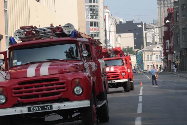 В Харькове горел двухэтажный дом: четырех жильцов спасли