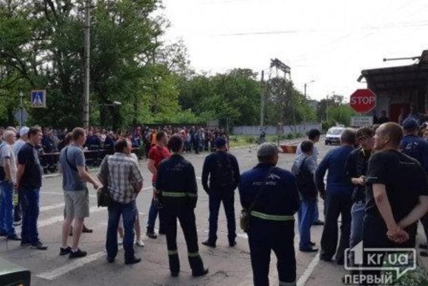 АрселорМиттал пожаловался в полицию на рабочих, которые требуют 1000 евро зарплаты