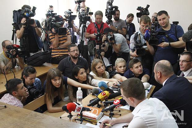 Суд не захотел смотреть видео слежки за Розенблатом