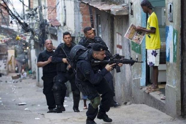 В Бразилии освободили из плена наркоторговцев двух украинцев