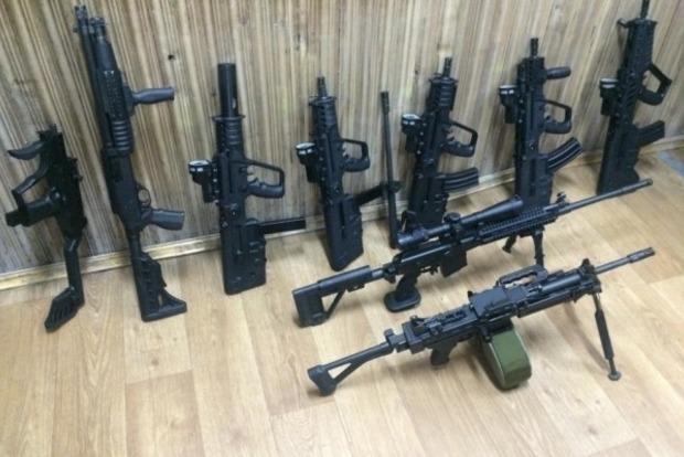 Геращенко: На руках у украинцев находится 900 тысяч единиц оружия