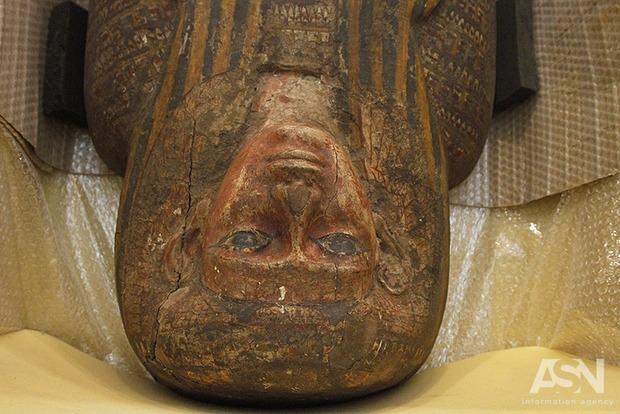 В Печерском заповеднике показали тысячелетние египетские мумии женщины и крокодила