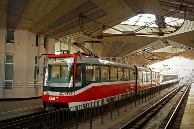 В Кривом Роге обстреляли трамвай