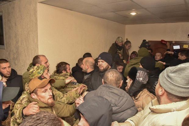 В суде Одессы произошла массовая драка, задержаны полсотни титушек