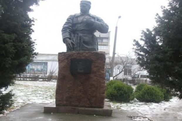 ВЧерниговской области разрушили памятник генерал-майору НКВД