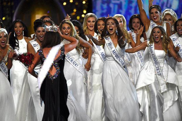 Пампушці, яка перемогла в конкурсі краси, не дали корону