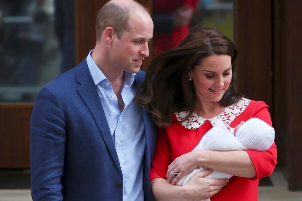 Стал известен титул новорожденного британского принца и появилось его первое сэлфи
