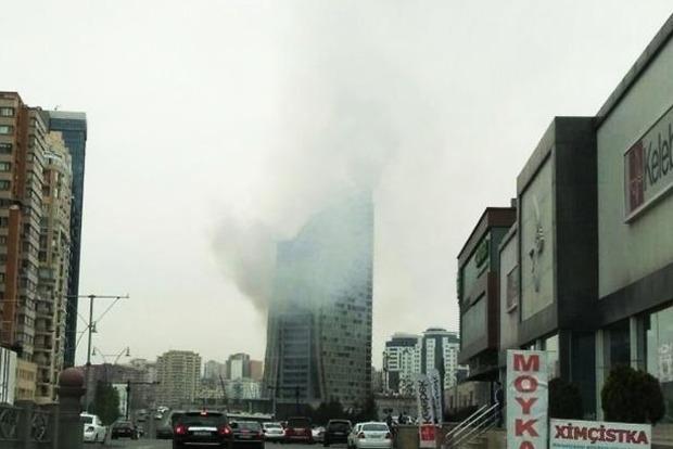 В Баку горит 130-метровый Trump Tower