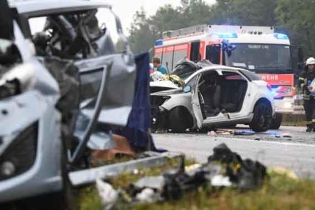 В Германии столкнулись 10 авто: четверо погибших, четверо раненых