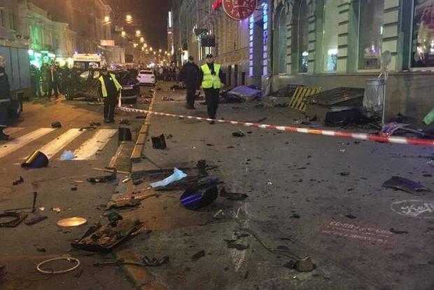 Два джипа устроили кровавое побоище в Харькове. Погибли пять человек, 11 ранены (фото, видео 18+)