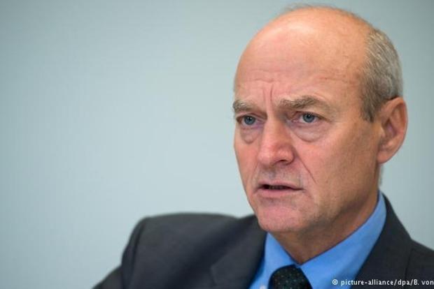 Глава разведки ФРГ уходит в отставку за сотрудничество со спецслужбами США