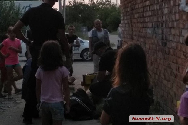 В Николаеве маленькие дети спасли жизнь умирающему бездомному