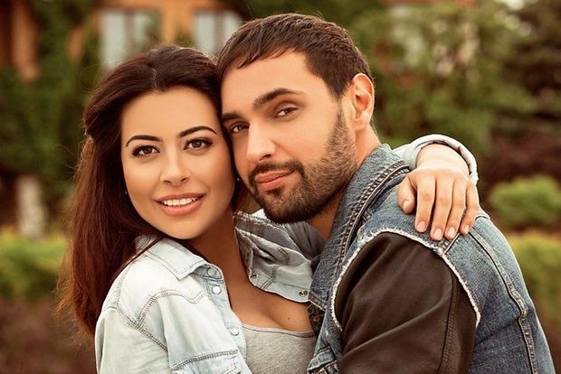 Свадьбы не будет: украинского певца бросила невеста