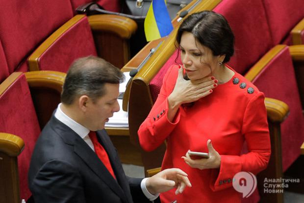 В Народном фронте теперь опровергают наличие конфликта между Президентом и министром МВД