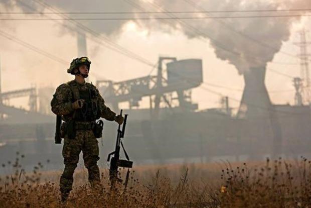 Узоні АТО бойовики ведуть прицільний вогонь, двох військових поранено