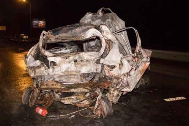 В Киеве после ДТП в такси заживо сгорел пассажир