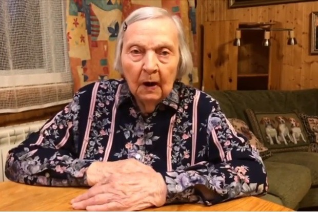 98-летняя ветеран рассказывая истории о войне собрала миллион на помощь врачам