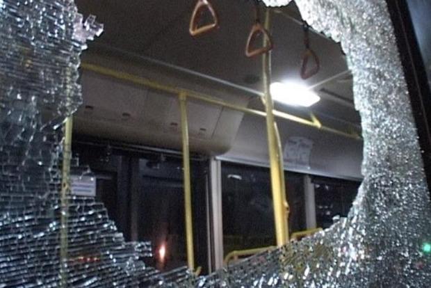 На Львовщине неизвестный обстрелял рейсовый автобус