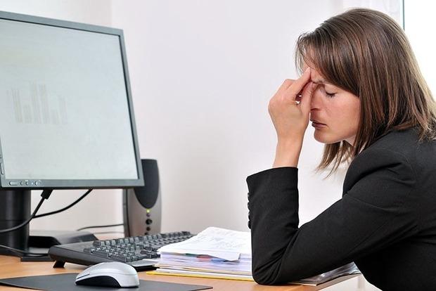 Українці під кінець року страждали від надмірних навантажень на роботі
