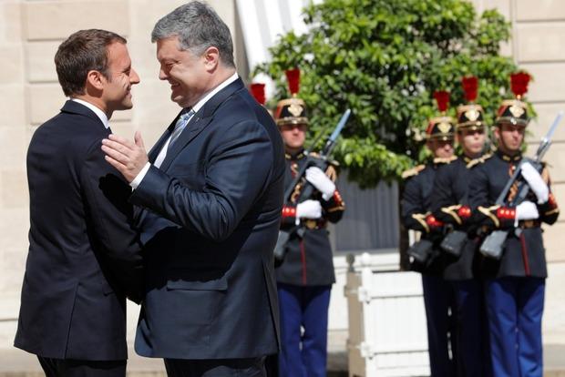 СМИ обратили внимание на то, как сильно похудел Порошенко