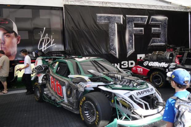 В компанії автоботів: Юна дівчина вперше в історії виграла гонку NASCAR