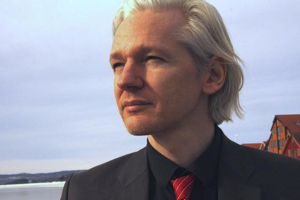 Основатель WikiLeaks пообещал продолжить работу сайта