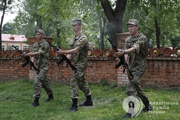 Глава представительства НАТО в Украине оценил состояние ВСУ