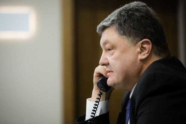 Порошенко попросил Олланда посодействовать в выдаче виз украинским фубольным болельщикам