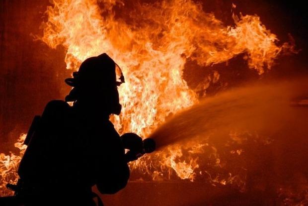 При пожаре в автобусе в Казахстане погибли 52 человека